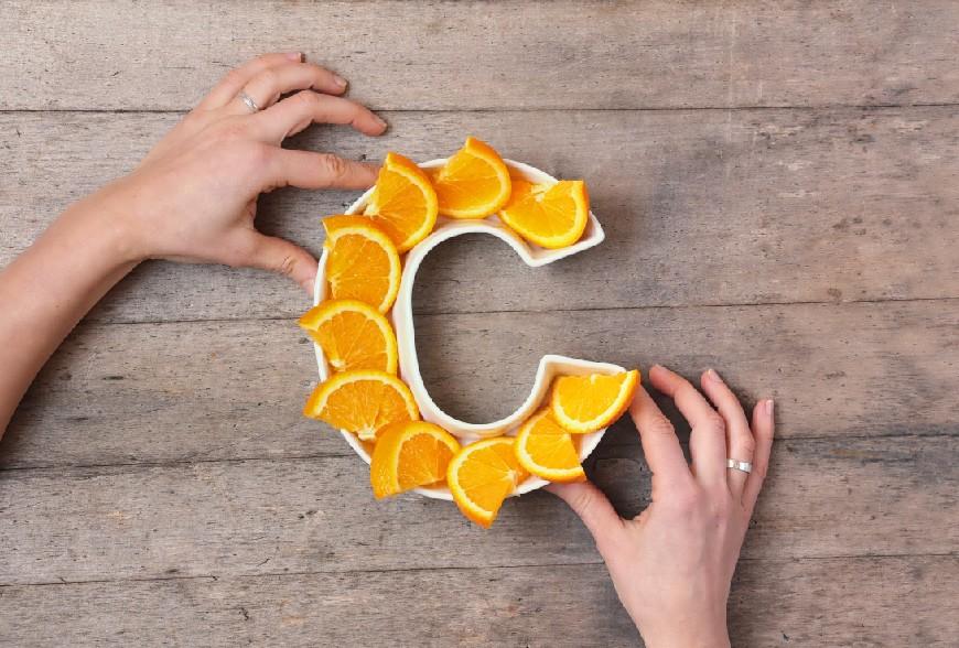 ¿Qué beneficios tiene la Vitamina C para la piel?